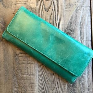 Hobo Leather Wallet in Perry Green